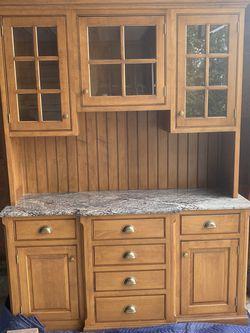 Cabinet Hut Granite Shelf for Sale in Centerport,  NY