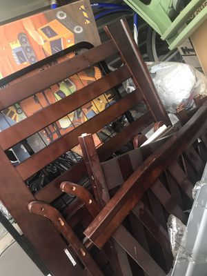 Baby crib with dresser and changing table for Sale in Fontana, CA