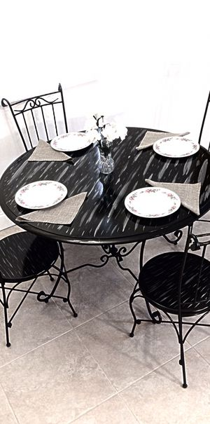 Luxury dining table and 4 chairs in excellent condition for Sale in Delray Beach, FL