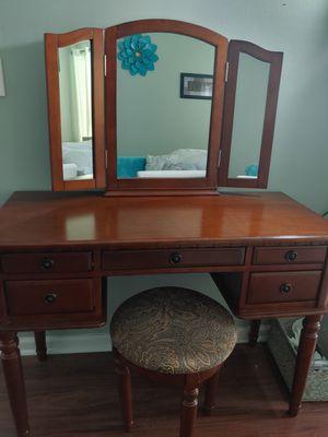 Vanity desk-PENDING PICK UP for Sale in Cocoa, FL