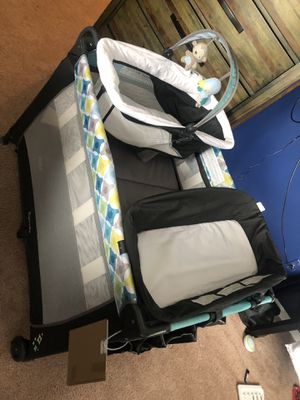 Pack and play with changing table for Sale in Madison Heights, MI