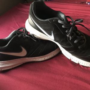 Nike - Size 8 for Sale in Chicago, IL