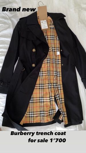Women's Burberry Trench Coat for Sale in Oakland, CA