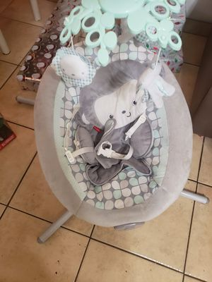 Fisher price baby swing for Sale in Salinas, CA