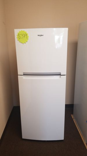 Whirlpool refrigerator white top Freezer for Sale in San Diego, CA