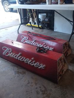 A Set Of Budweiser Pool Table Lights And One Coor's Light for Sale in North Bend,  WA