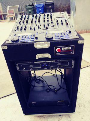 Dj equipment..karaoke.. No tiene el power... for Sale in Bloomington, CA