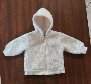Winter warm Fleece Infant Hoodie size 3 months. for Sale in Fontana, CA