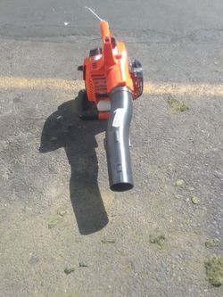 ECHO 170 MPH 453 CFM 25.4 cc Gas 2-Stroke Cycle Handheld Leaf Blower for Sale in Long Beach,  CA