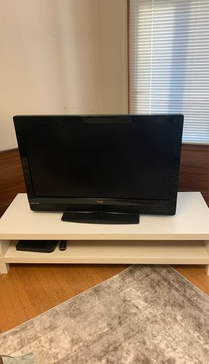 White TV stand or coffee table for Sale in San Francisco, CA