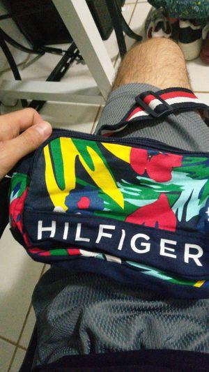 Tommy hilfiger waist bag for Sale in Miami, FL