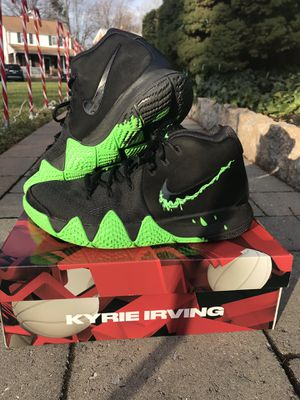 """Kyrie 4 """"Halloween"""" edition 8.5 for Sale in Springfield, PA"""