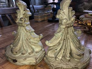 Pair of NEW wall shelves/ bookends for Sale in San Antonio, TX