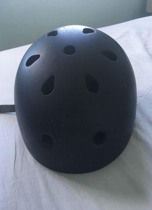 Oxelo mountain bike helmet for Sale in Miramar, FL