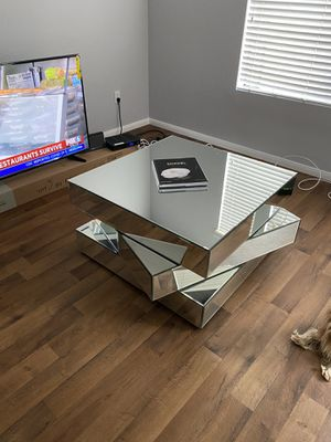 Modern Mirrored Coffee and End Table for Sale in San Diego, CA