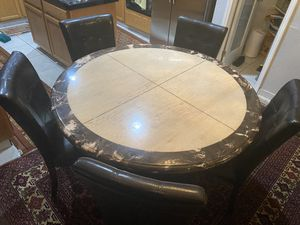 Round marble dining table w/ 5 chairs included for Sale in Elk Grove, CA