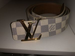 Versace, Gucci, Vuitton belts 100% authentic with store receipt for Sale in Brooklyn, NY
