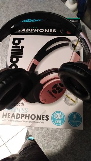 Billboard bluetooth headphones for Sale in Longview, TX