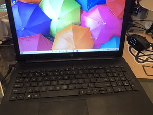 Nice easy to use hp laptop with 1 tb and windows 10 and shoulder bag for Sale in Portland, OR