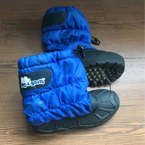 Kids Children Snow Boots Size 1 for Sale in Placentia, CA