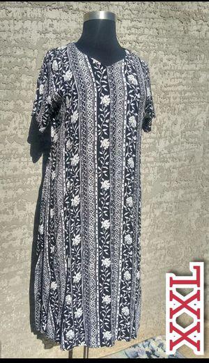 XL women's dress floral black and white Midi plus size for Sale in Phoenix, AZ