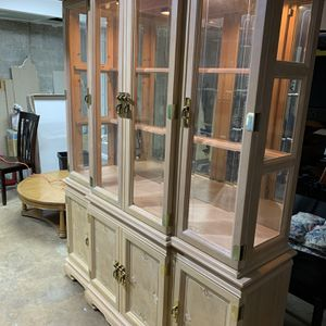 China Cabinet...Excellent Condition!!! for Sale in Woodlawn, MD