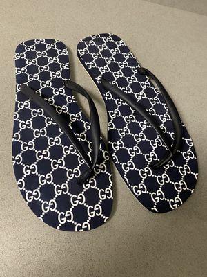 Gucci flip flop sandals men's size 11-12 for Sale in Costa Mesa, CA