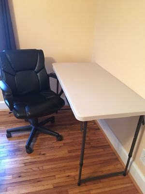 Beautiful Chair and Desk for Work for Sale in Columbus, OH
