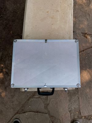 Carrying case for Sale in Fresno, CA