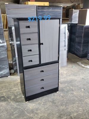 Armario/cabinet for Sale in Los Angeles, CA