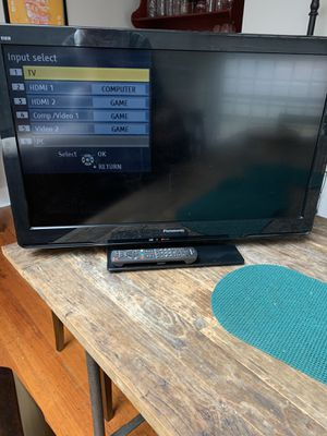 "30"" Panasonic TV w/ remote for Sale in Boston, MA"