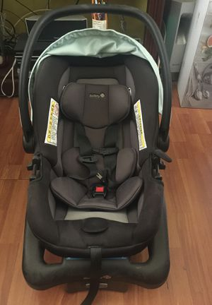 Free free Baby car seat for Sale in Long Beach, CA