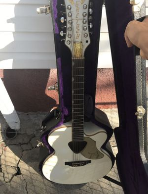 Gretsch 12 string guitar all white and gold for Sale in Dallas, TX