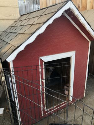 Dog house for Sale in Roseville, CA