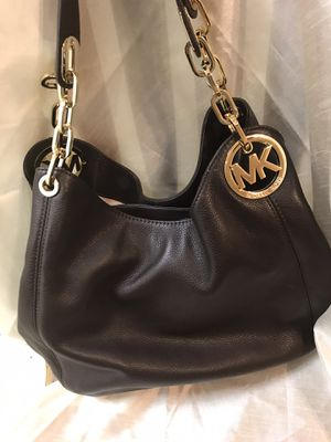 NEW WITH TAGS BROWN LEATHER MICHAEL KORS PURSE for Sale in Madera, CA