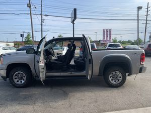 2008 gmc sierra 4x4 for Sale in Brook Park, OH