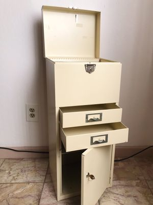 Vintage Mid Century EXCELSIOR Locking File Cabinet by Stamford Conn for Sale in Alameda, CA