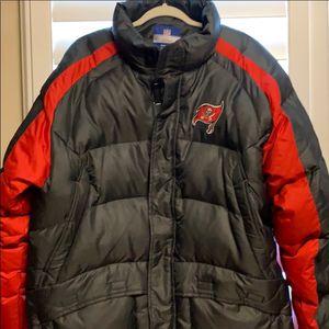 Reebok NFL Buccaneers Bubble Jacket L for Sale in New Port Richey, FL