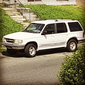 2001 Ford explorer for Sale in Philadelphia, PA