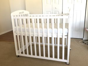Baby Mini Crib for Sale in Montpelier, MD