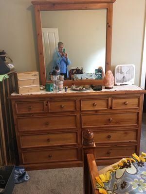 Four-Piece Queen Bedroom Set for Sale in Kent, WA