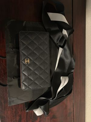 Anthentic excellent condition Chanel matelasse black caviar skin long wallet gold for Sale in Corona, CA
