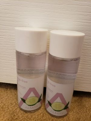 Almay Make-up Remover for Sale in Palmdale, CA