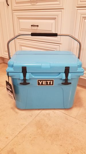 YETI Cooler Roadie20 BRAND NEW W/ TAGS for Sale in Plainfield, IL