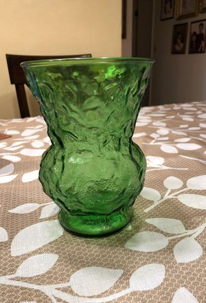 "Vintage E O Brody Co Cleveland Ohio Crinkle Glass Flower Vase Green 8"" Tall for Sale in Miami, FL"