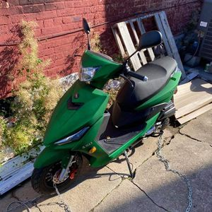 Viper 150 Cc Moped for Sale in Lancaster, PA