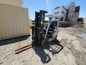 Unicarriers 3 stage forklift 2014 for Sale in San Francisco, CA