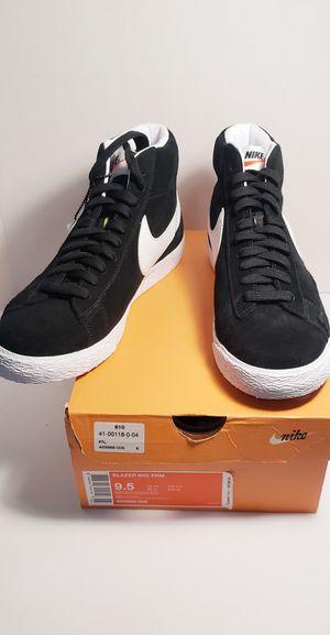 Nike Blazer Mid PRM In Black/White Size 9 and 9.5 for Sale in Miami, FL