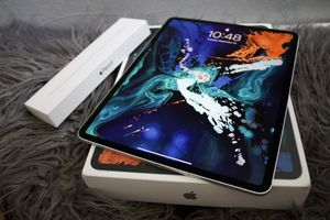 "iPad 12.9"" 512gb wifi + cellular with apple pencil for Sale in Anaheim, CA"