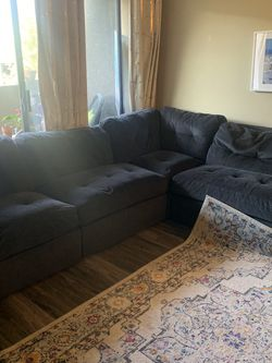 Comfy Navy Blue Sectional Couch for Sale in Los Angeles,  CA